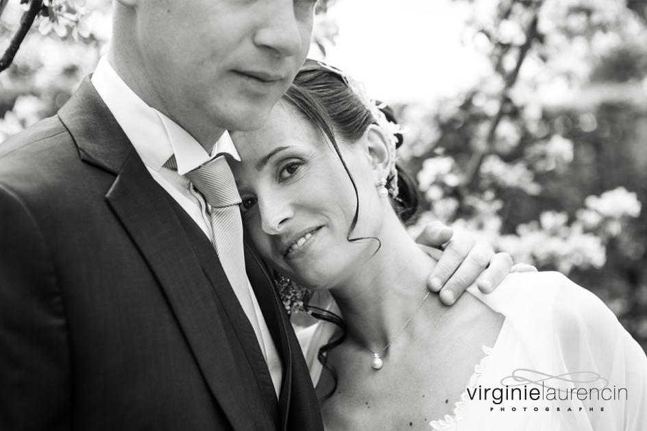 regard mariée cerisier en fleurs